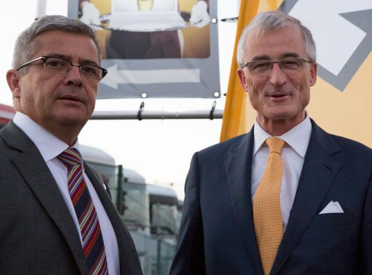 Vlaams Parlement huldigt Geert Bourgeois en Kris Van Dijck
